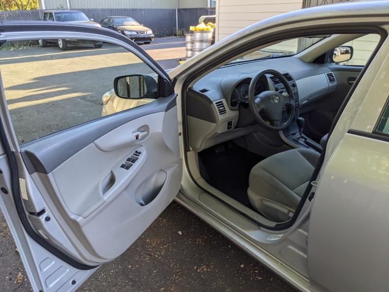 Toyota Corolla 2009 price $8,995