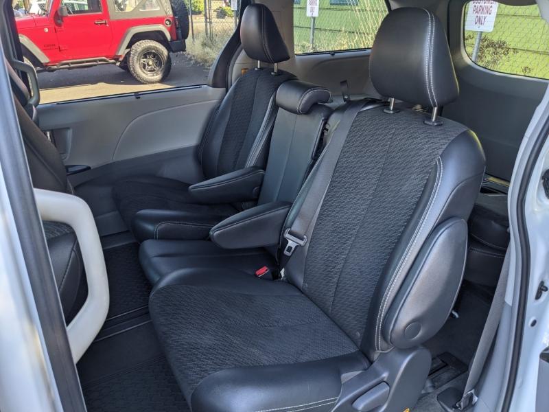 Toyota Sienna 2012 price $19,995