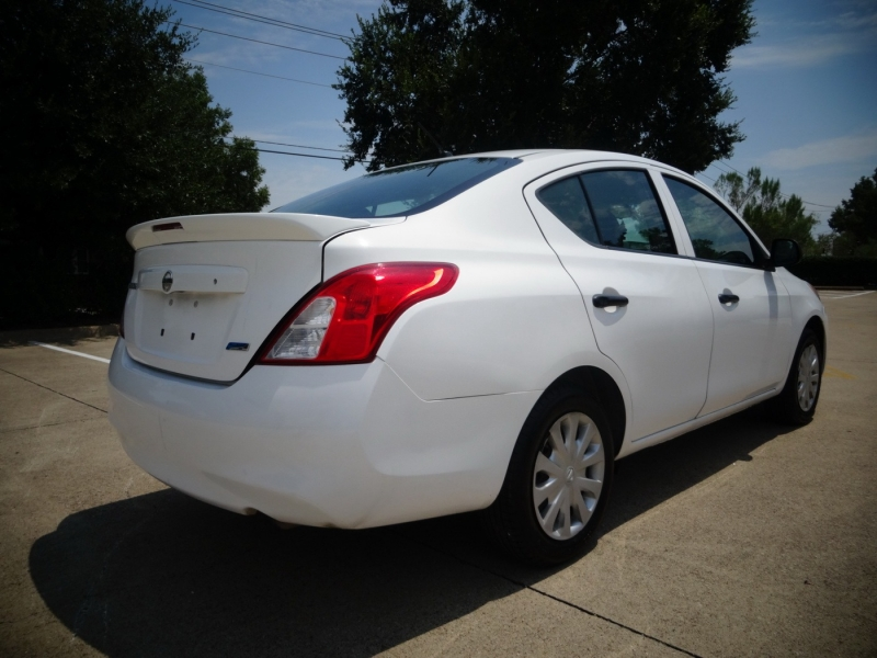 Nissan Versa 2014 price $3,595
