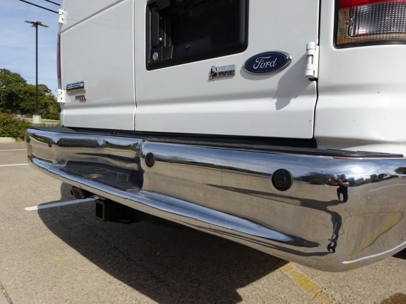 Ford Econoline Wagon 2011 price $9,950