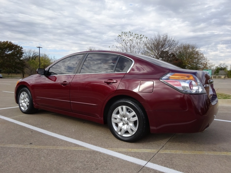 Nissan Altima 2011 price $4,595