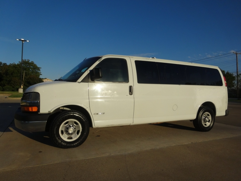 Chevrolet Express Passenger 2006 price $4,995