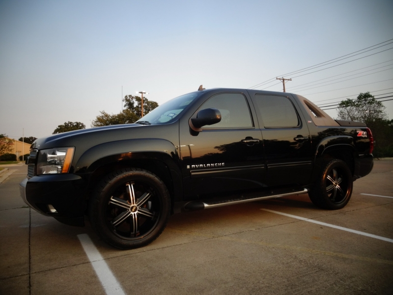 Chevrolet Avalanche 2009 price $14,900