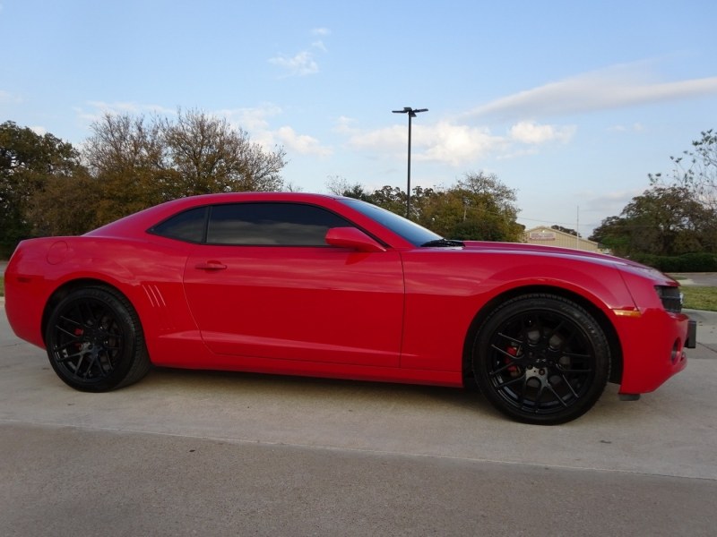 Chevrolet Camaro 2010 price $10,900