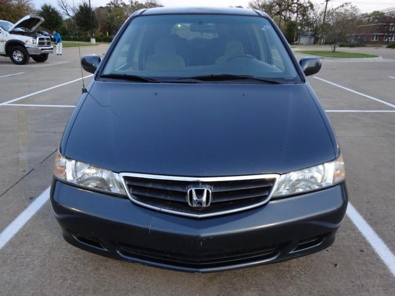 Honda Odyssey 2004 price $2,995