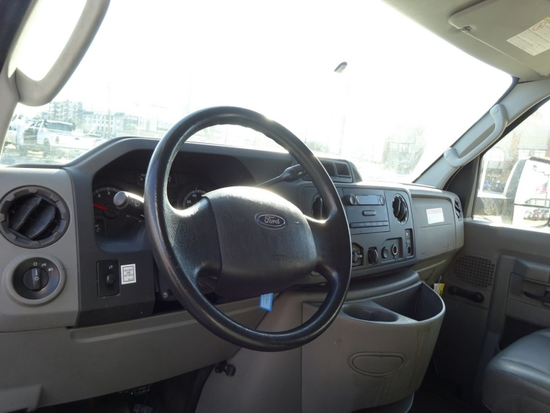 Ford Econoline Commercial Cutaway 2013 price $15,500