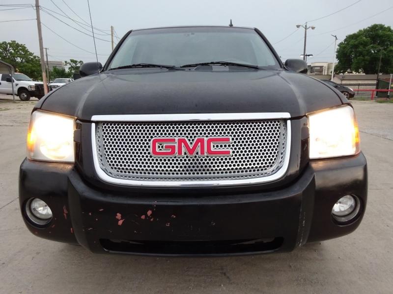GMC Envoy 2006 price $4,995