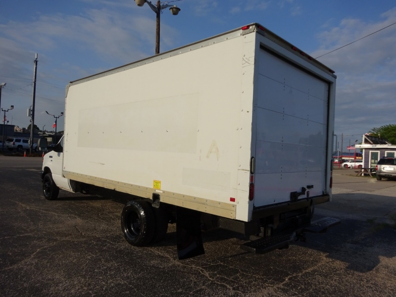 Ford Econoline Commercial Cutaway 2013 price $15,950
