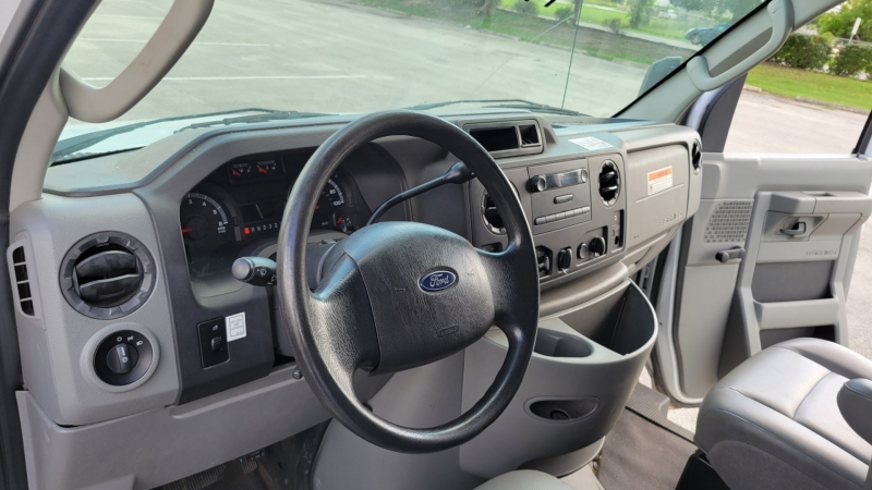 Ford Econoline Commercial Cutaway 2013 price $16,900