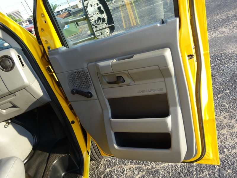 Ford Econoline Commercial Cutaway 2012 price $14,950