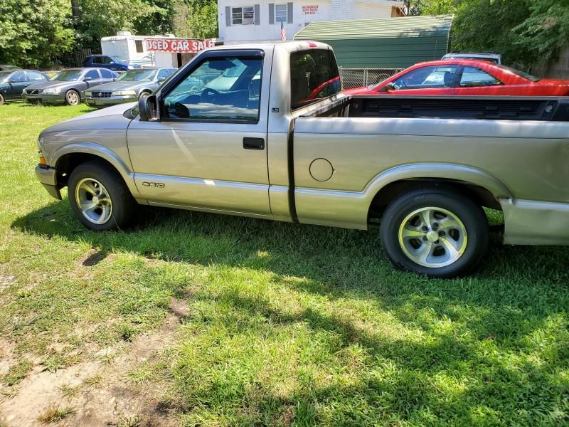 Chevrolet S10 2002 price $4,999