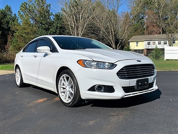 Ford Fusion 2016 price $10,900