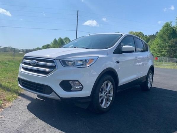Ford Escape 2017 price $11,900