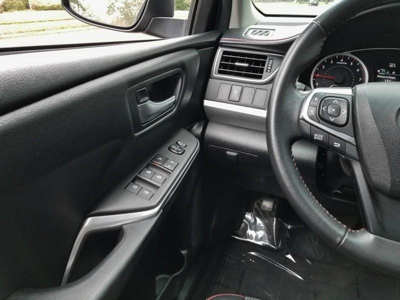 Toyota Camry 2017 price $13,488