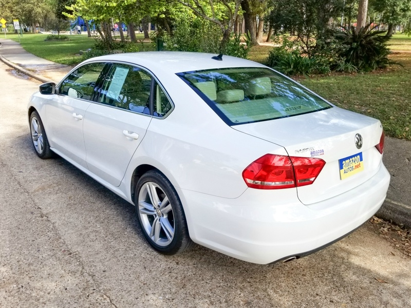 Volkswagen Passat 2014 price $11,888