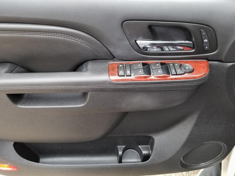 Cadillac Escalade 2010 price $14,888