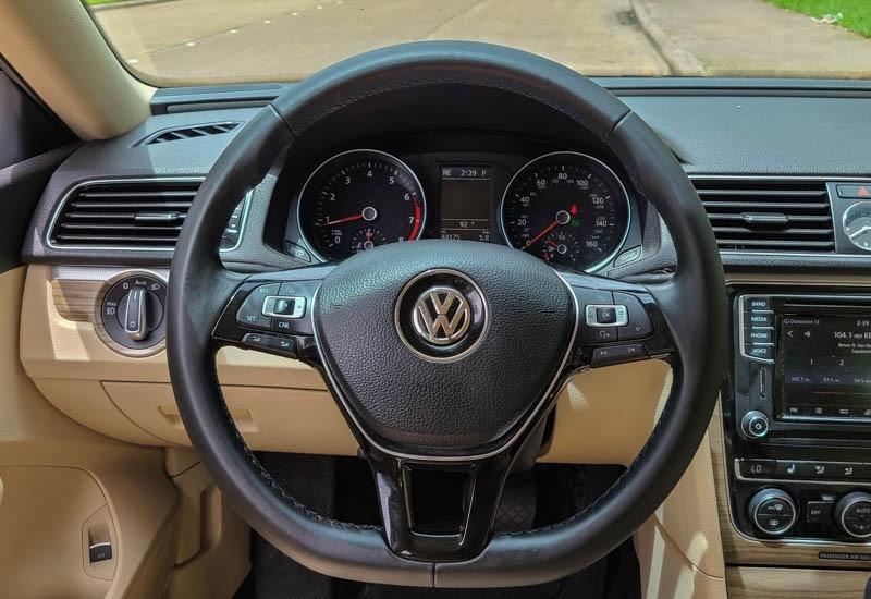 Volkswagen Passat 2016 price $13,888
