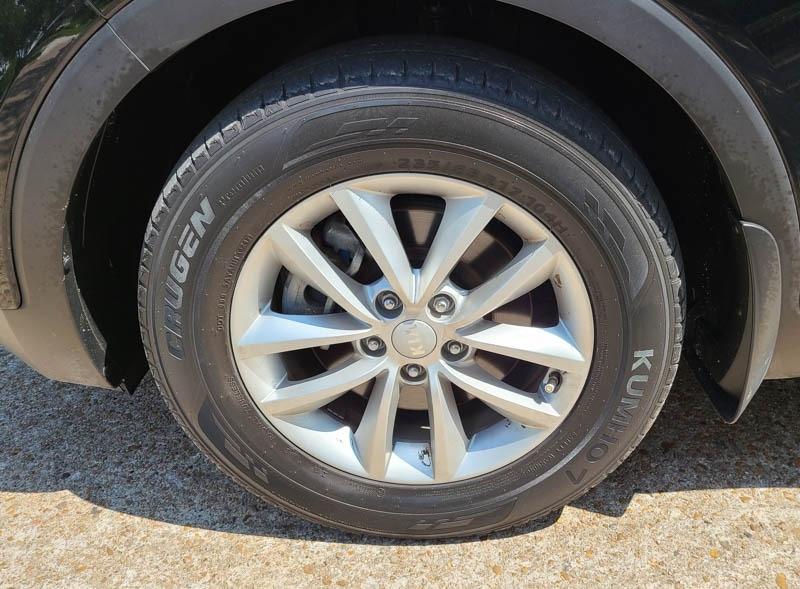 Kia Sorento 2017 price $15,888