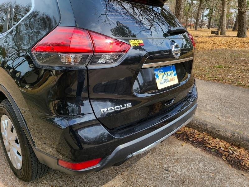 Nissan Rogue 2017 price $14,888