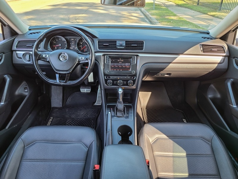 Volkswagen Passat 2018 price $21,888