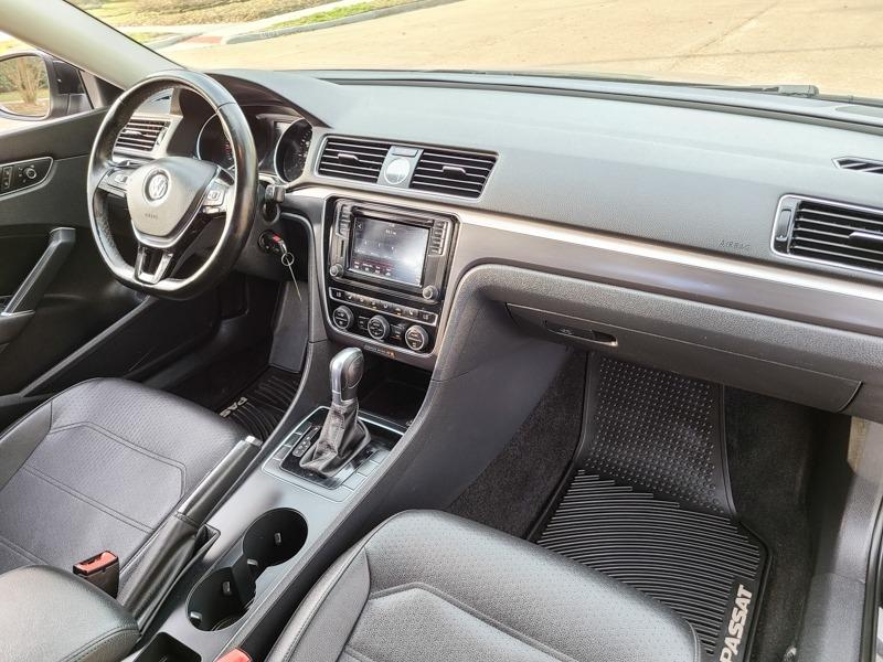 Volkswagen Passat 2017 price $15,888