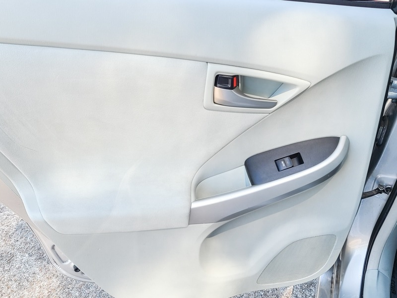 Toyota Prius 2015 price $12,888