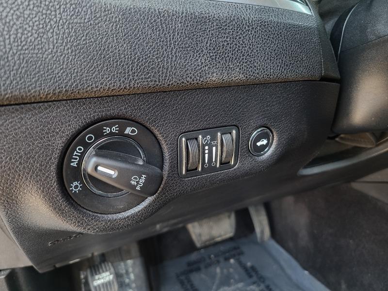 Chrysler 300 2016 price $17,888