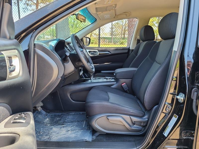 Nissan Pathfinder 2017 price $19,888