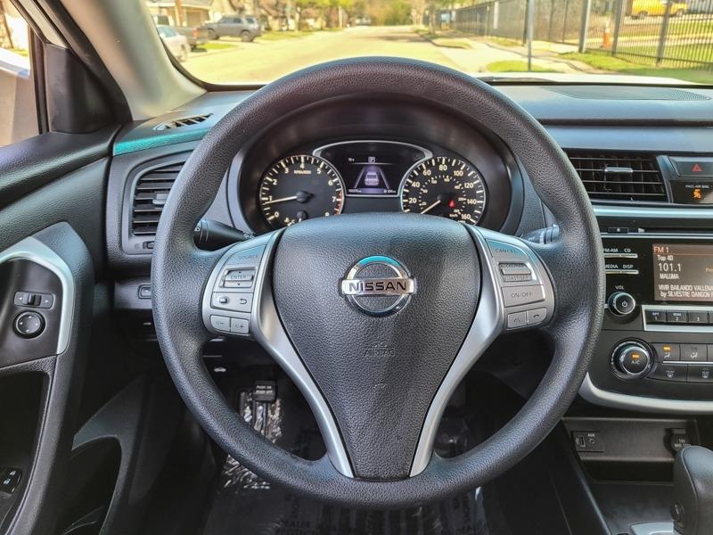 Nissan Altima 2017 price $13,888