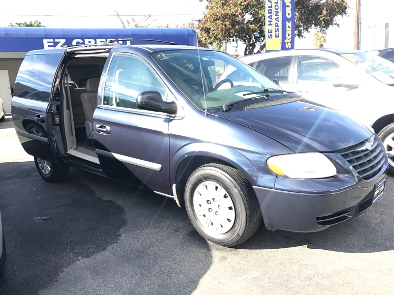 Chrysler Town & Country 2007 price $7,995