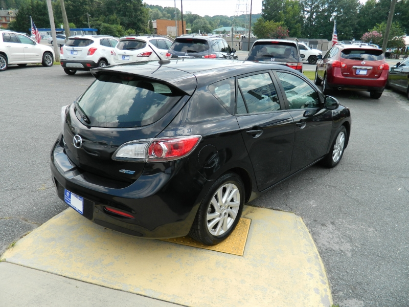 Mazda 3 2012 price $7,995