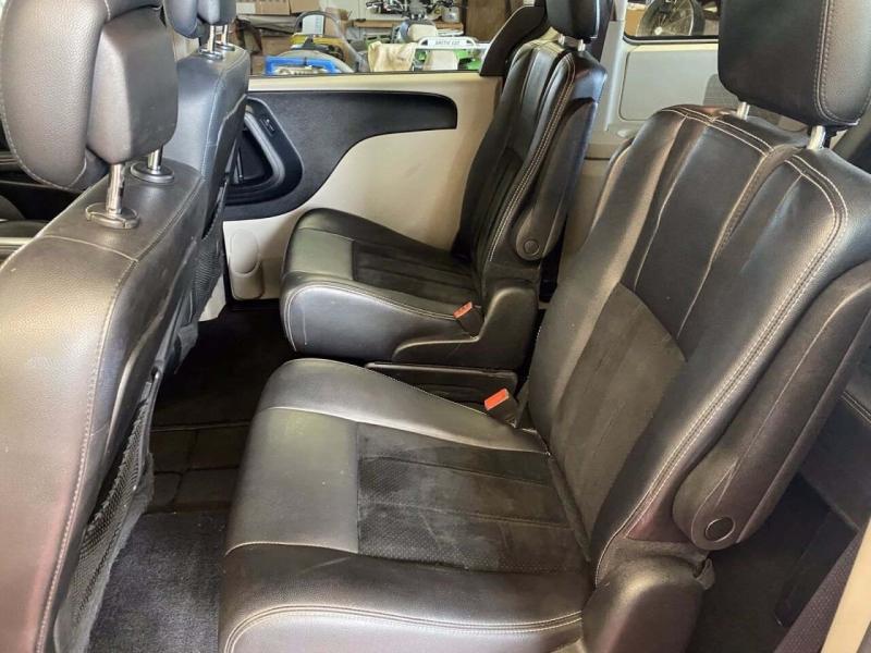 Dodge Grand Caravan 2017 price $18,500