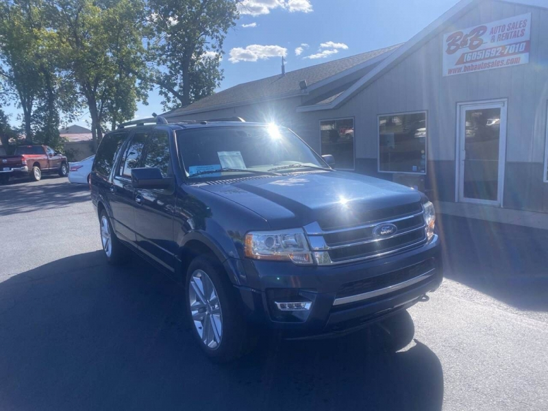 Ford Expedition EL 2016 price $32,000