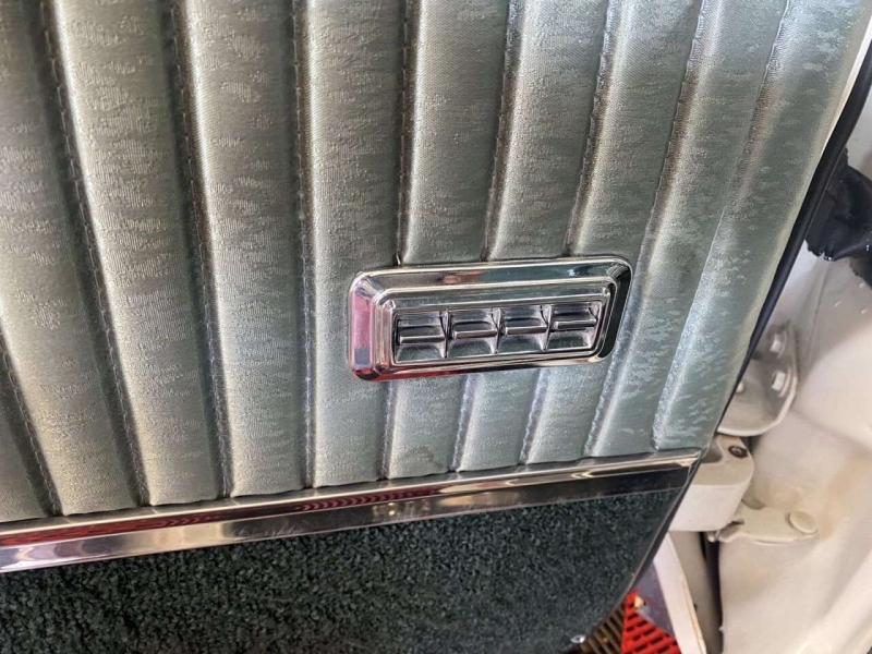 Oldsmobile Delta 88 Holiday Sedan 1966 price $15,000