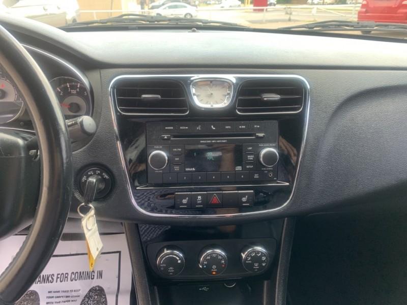 Chrysler 200 2014 price $10,900