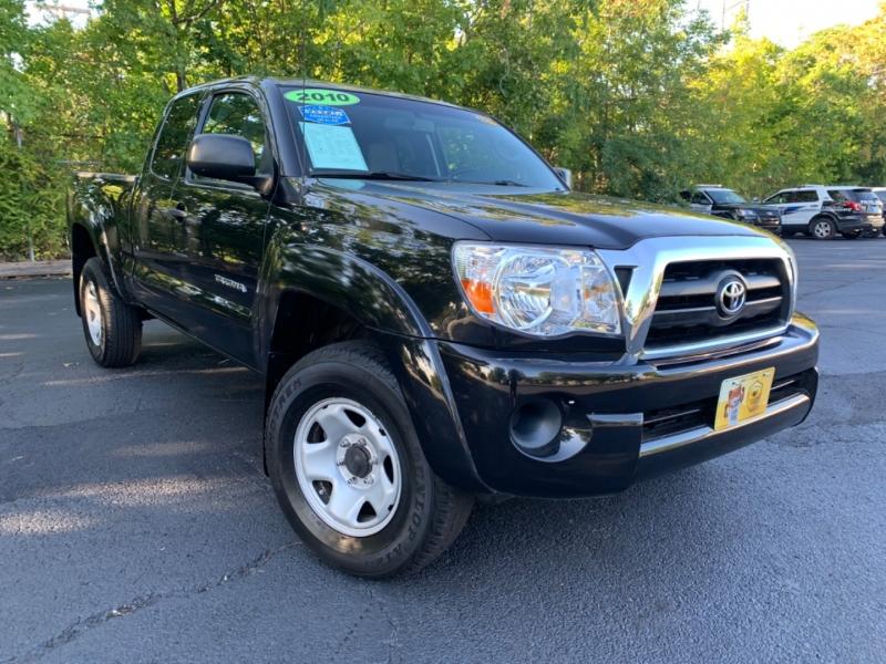 Toyota Tacoma 2010 price $15,999
