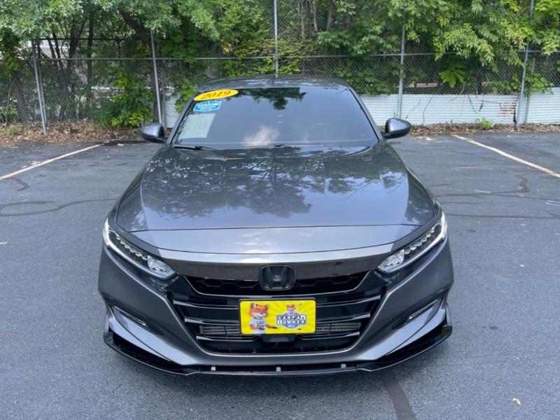 Honda Accord Sedan 2019 price $27,999