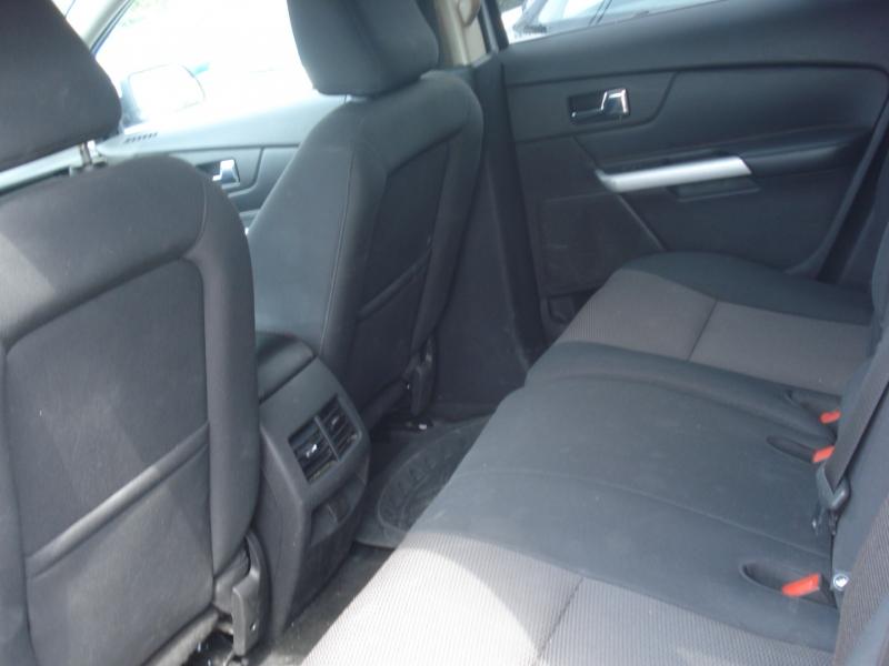 Ford Edge 2011 price $8,490