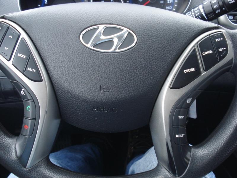 Hyundai Elantra GT 2016 price $6,990