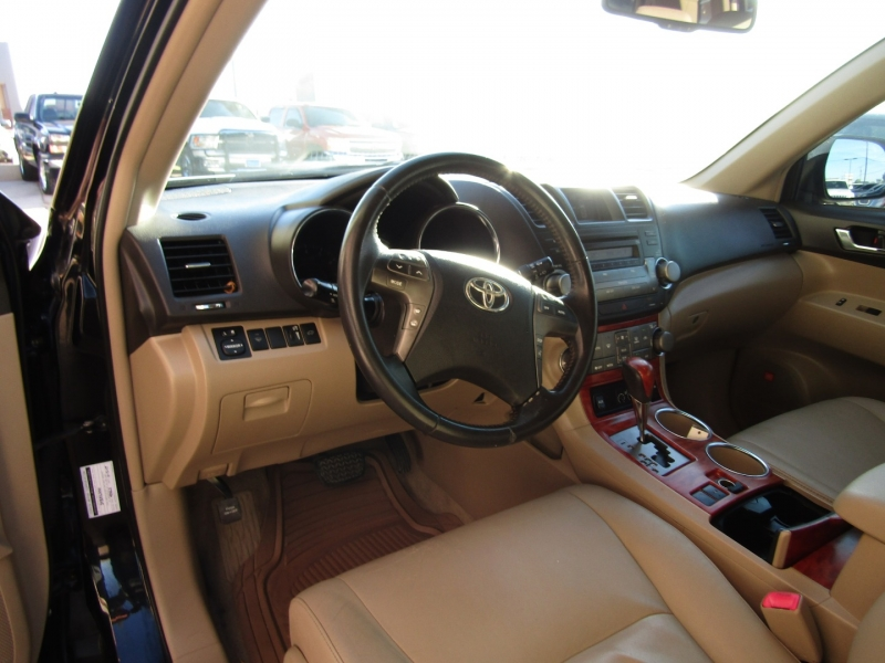 Toyota Highlander 2009 price CALL FOR PRICE