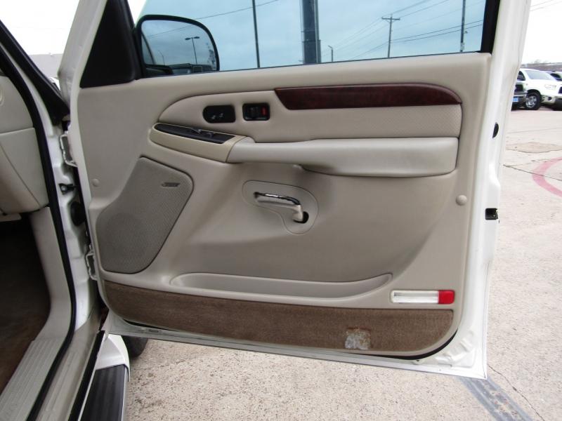 Cadillac Escalade 2005 price CALL FOR PRICE