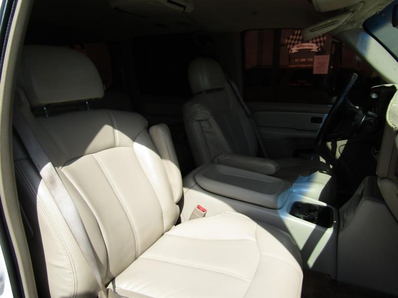 Chevrolet Suburban 2001 price CALL FOR PRICE