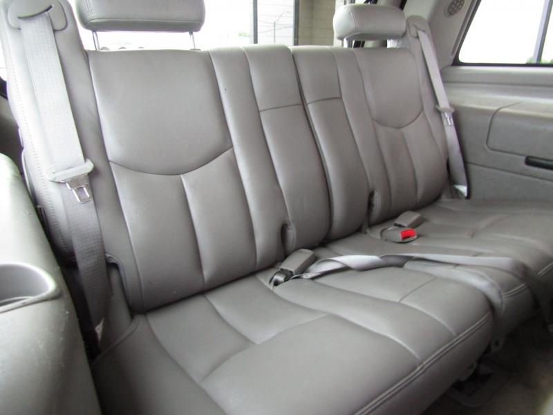 Chevrolet Tahoe 2004 price $7,990 Cash