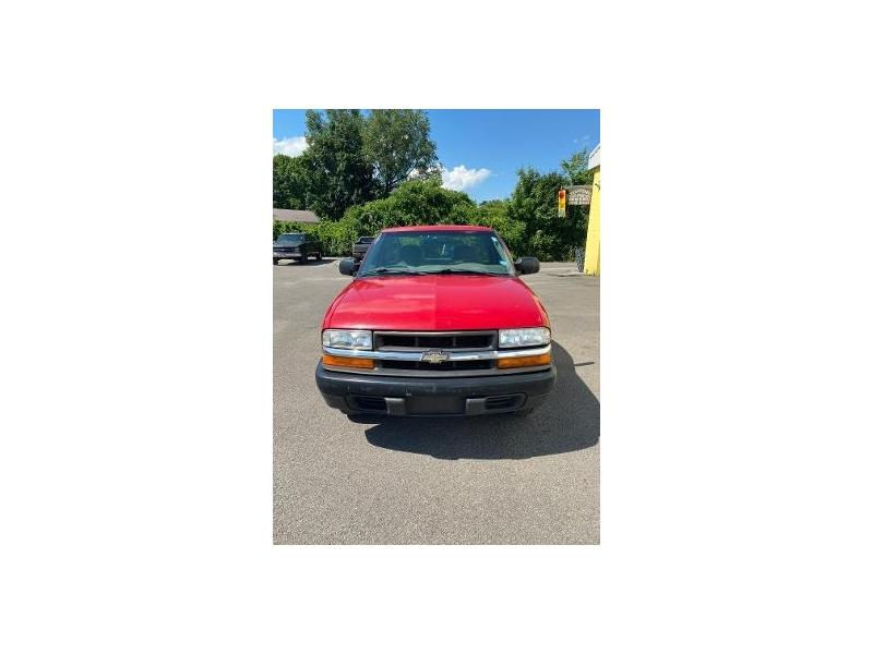Chevrolet S-10 2002 price $3,995
