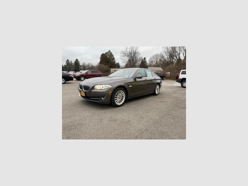 BMW 5-Series 2013 price $19,995