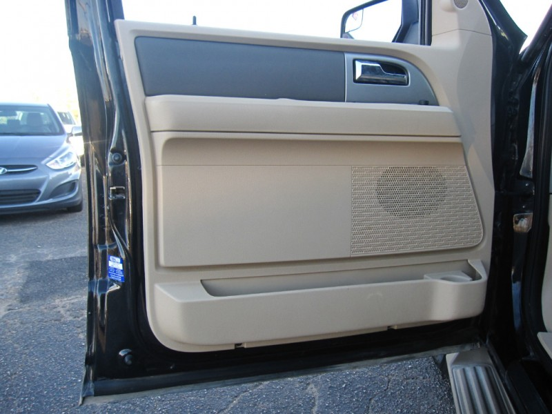 Ford Expedition EL 2013 price $11,995