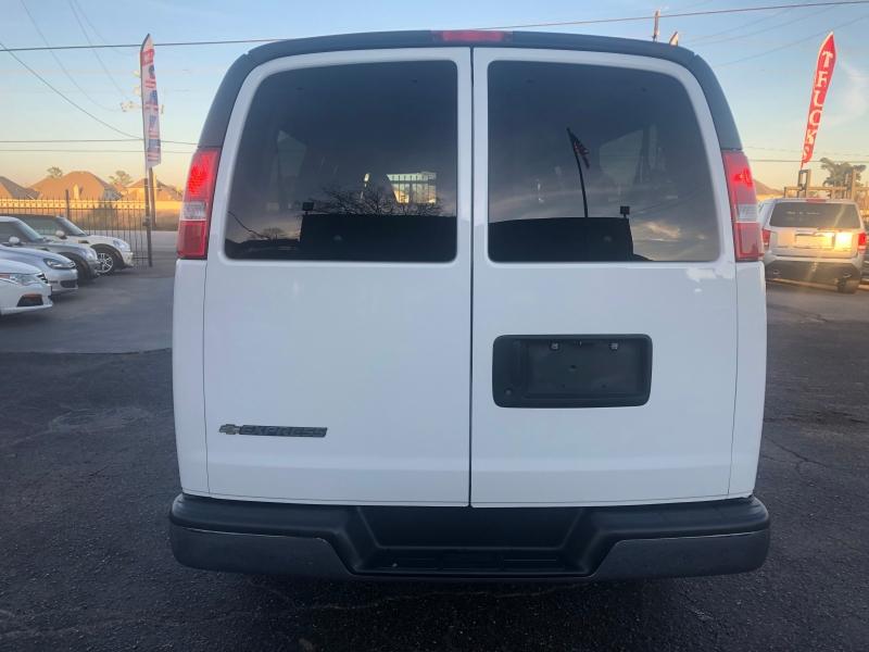 Chevrolet Express Passenger 2017 price $19,500