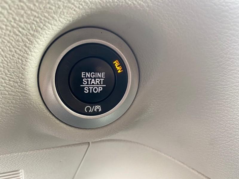Chrysler Pacifica 2017 price $18,991
