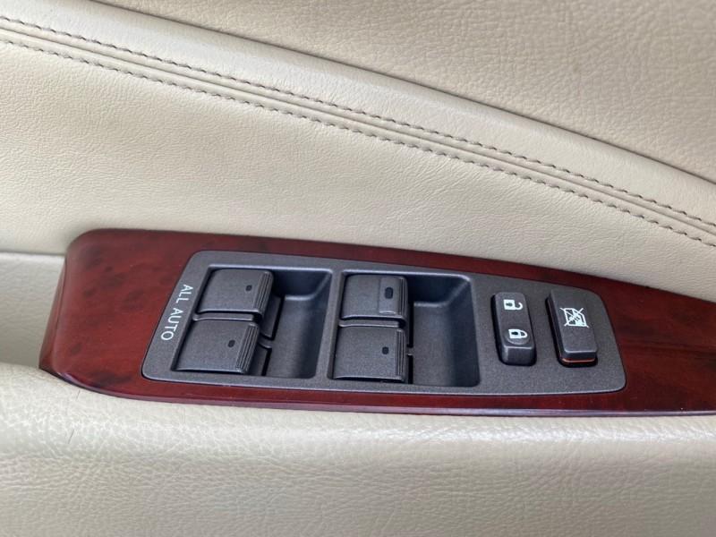 Lexus LS 460 2010 price $17,991