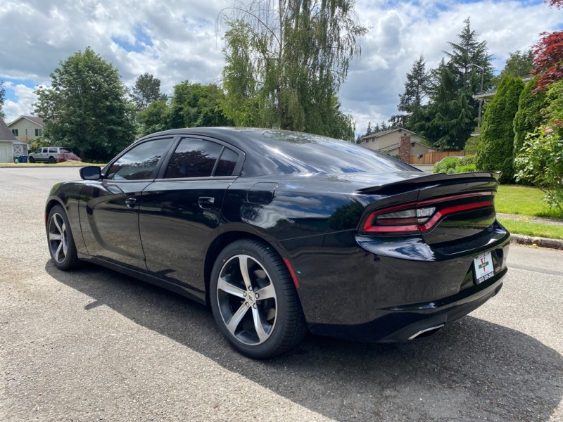 Dodge Charger 2017 price $25,991